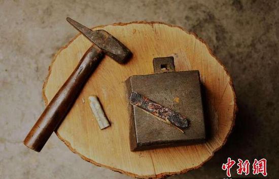 制作银花丝的工具。