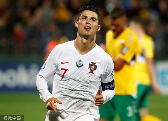 欧预赛-C罗大四喜B席两献助攻 葡萄牙5-1立陶宛